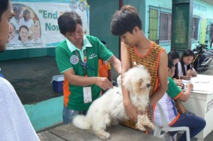 Anti Rabies Vaccination for Dogs and Cats with Municipal Agriculture and Provincial Veterinarians in Barangay Baraca Camachile Subic,Mayor Jay Khonghun