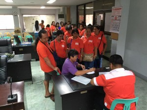 Distribution of Cash Gift Barangay Nutrition Scholars(BNS) and Municipal Health Workers of Subic (5)